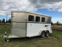 2005 Circle J Lightening horse trailer