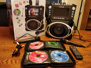 New Karaoke Player with over 900 songs