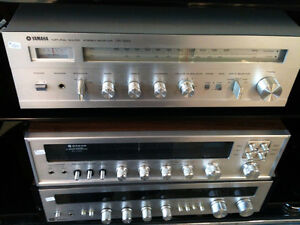 Vintage YAMAHA CR-220 Receiver with NATURAL SOUND