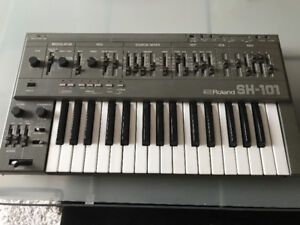 ROLAND SH-101 SH Analog Synthesizer