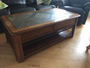 Grande table salon bois et céramique