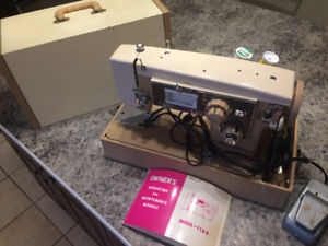3 Sewing Machines (individually sold 75.00 , or 200$ for all 3)
