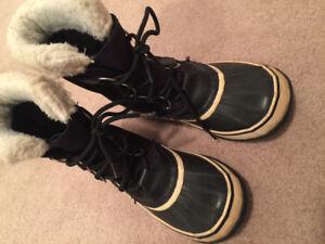 SOREL Women's Winter Carnival Boot - Waterproof - Black/Stone