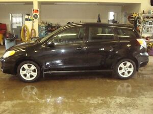 2006 TOYOTA MATRIX XR HATCHBACK $3000 TAX'S IN
