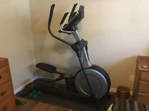 NordicTrack Elliptical à vendre/NordicTrack Elliptical For Sale