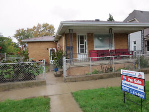 NEW LISTING! 373 MCKAY - Located close to the U of W