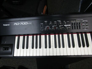 Roland RD-700NX 88-key Digital Stage Piano Valeur 3600$