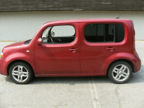 2009 nissan cube red
