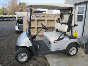 2012 EZ-GO RXV ELECTRIC GOLF CARTS*FINANCING AVAILABLE London Ontario image 3