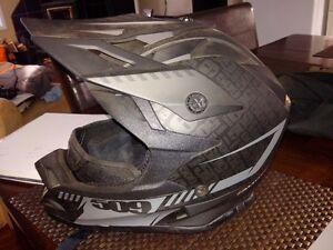 XL 509 Altitude Helmet