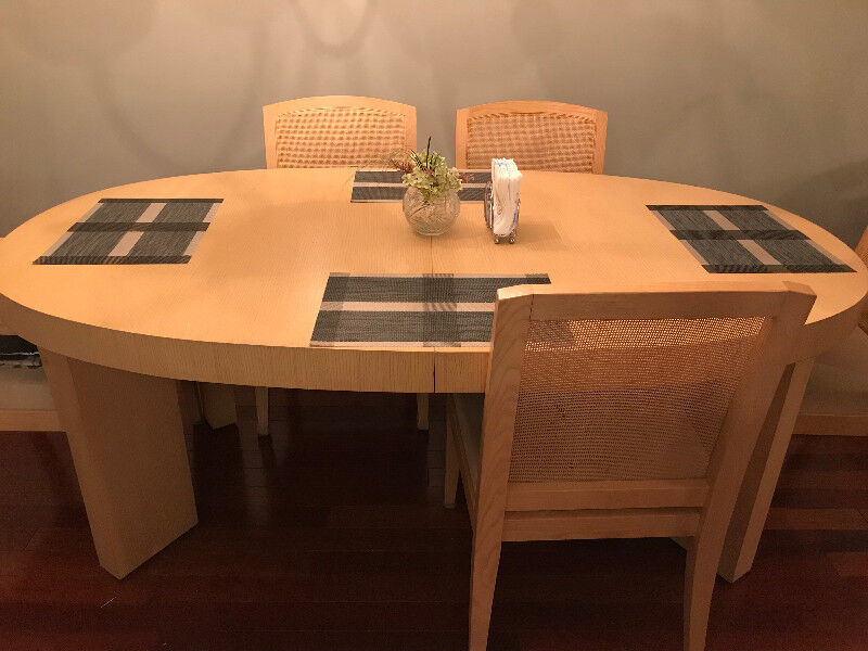 Gently Used Dining Table From Art Shoppe