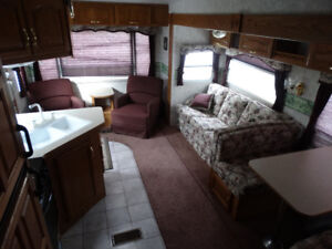 2004 Cougar 276 Fifth Wheel As Is