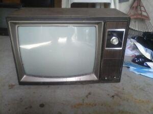 free old screen box tv