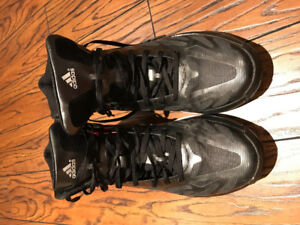 Adidas basketball shoes/souliers basketball grandeur/size 11.5