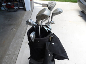 right golf clubs bag and cart