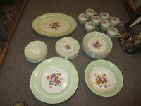 set de vaisselle antique en porcelaine, signé Empire England