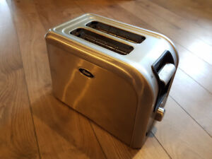 OSTER STAINLESS STEEL BAGEL TOASTER