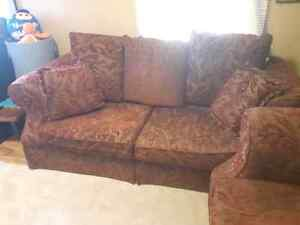Beautiful embroidered couch and chair Sarnia Sarnia Area image 2