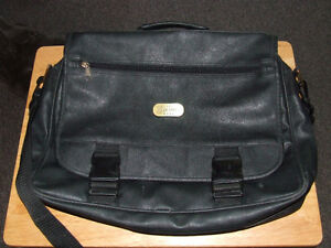 Classic Hercules Gear Leather Messanger Bag - $15.00