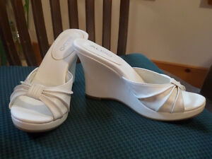 NEW - white leather wedge slides, wedding party prom, sz 10