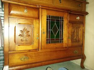 Buffet avec miroir en bois de style antique