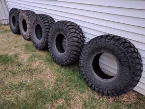 Maxxis Creepy Crawler 37x14.5R16 (5 of them)