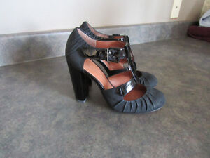 Black shoes (Modern Vintage) new condition