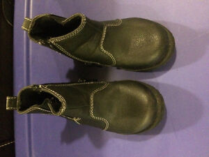 Boys Black zip up dress boot toddler size 6