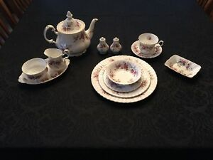 Royal Albert Lavender Rose fine bone china