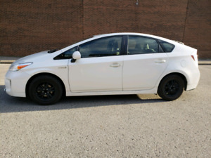 Very nice and clean TOYOTA PRIUS 2015 VERY LOW PRICE !!!