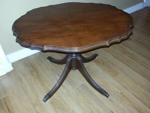 COFFEE/ACCENT TABLE Cambridge Kitchener Area image 1