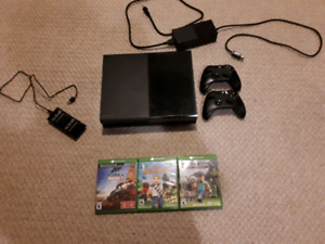 Xbox One 1tb with 2 controllers, 3 games and charging doc