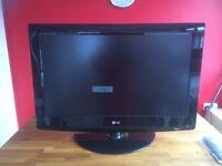 "32"" LG HD ready LCD TV"