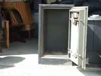 VINTAGE/ANTIQUE COMIBATION SAFE;  Sale/trade