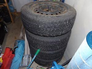 4 pneu et rim de mitsubishi outlander