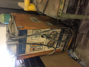 Welder - AIRCO DIP-COR 300 Cambridge Kitchener Area image 1