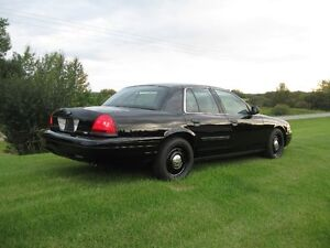 2010  and 2008 Ford Crown Victoria Police Package Sedan Strathcona County Edmonton Area image 8