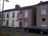 4 bedrooms in 4 STUDENTS LET 32 Strawberry Hill, Salford M6 6AH