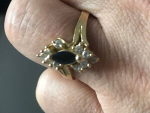 18k Solid Gold Ring Size 9