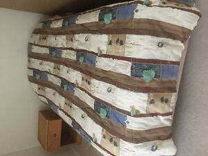 Twin bed - complete set in great condition