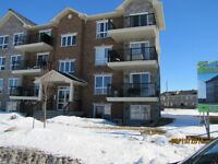 Vaudreuil  condo for rent/ condo a loue