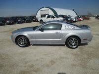 2005 Ford Mustang GT Leather Low Kms Nos Coupe