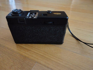 Vintage Promo Experts 35 mm camera with case and original box London Ontario image 9