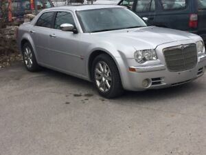 2005 Chrysler 300-Series 3 tv Autre