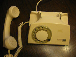 Telkom rotary (dial) phone, unique style Windsor Region Ontario image 2