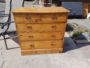 Antique Pine Dreeser