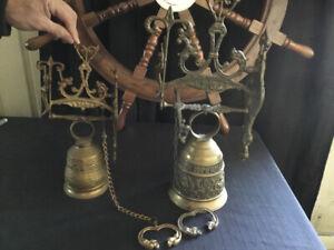 CLOCHE DE BRONZE ANCIENNE QUI ME TANGIT VOCEM-MEAM