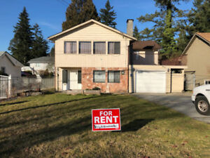 House for Rent $3000 /  5br + den / suite - 2380ft2 near SFU