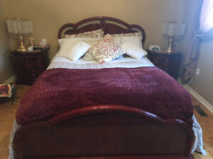 EUROPEAN QUEEN BEDROOM SET
