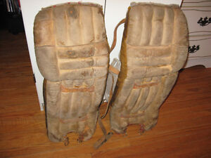 VINTAGE LEATHER GOALIE PADS DIAGNAULT ROLLAND MENS SIZE
